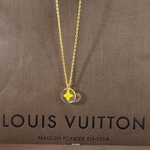 LOUIS VUITTON Acrylic LV Flower Charm Necklace